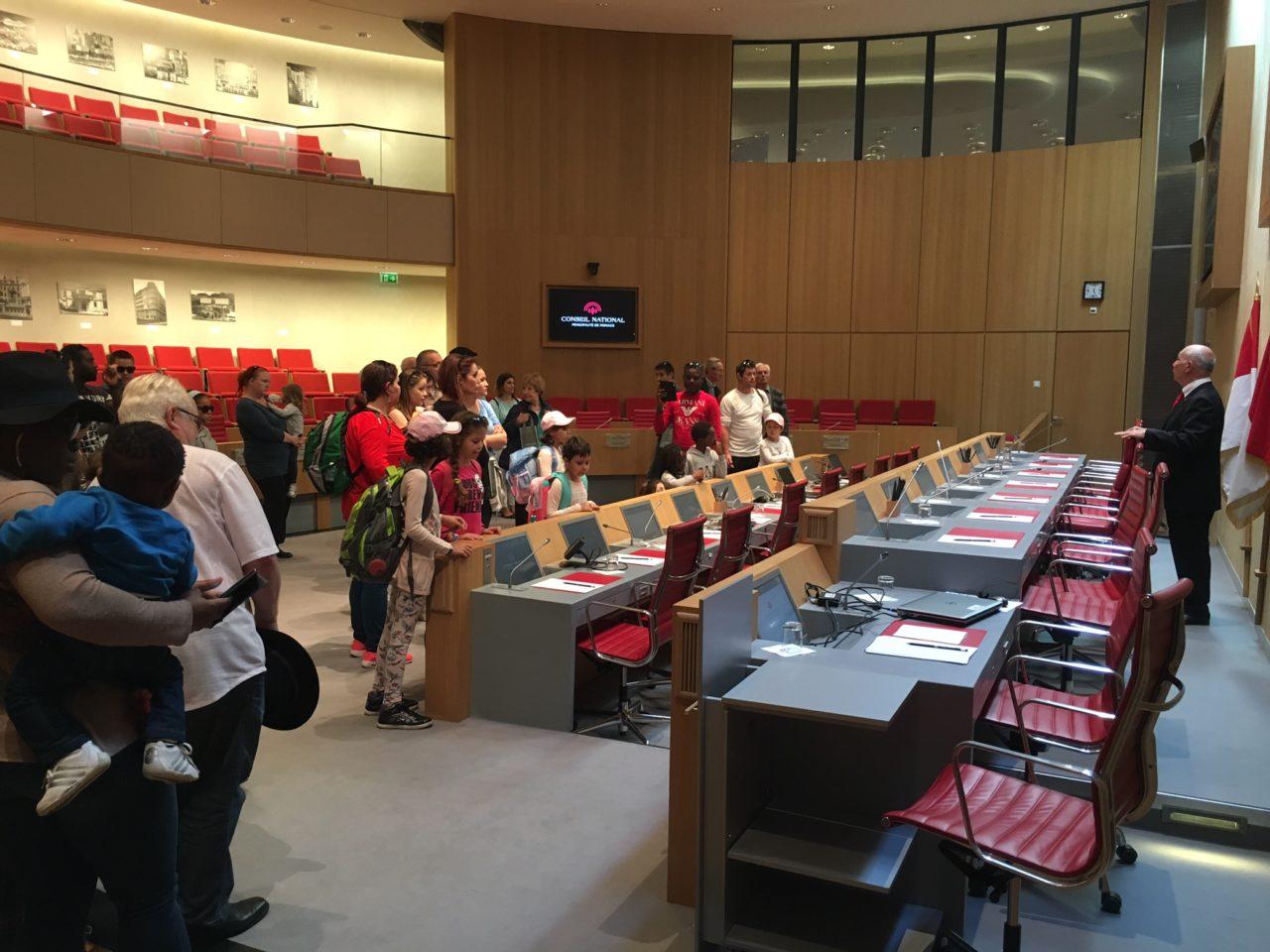 Visite du Conseil National pour les jeunes emmenés par les Rotariens suisses